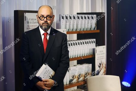 Spanish Writer Carlos Ruiz Zafon Poses After the Presentation of His Latest Novel 'The Labyrinth of Spirits' in Barcelona Spain 17 November 2016 the Book the Fourth and Final Novel in the 'Cemetery of Forgotten' Series is Released in Spain and Latin America on 17 November While the English Translation is Planned to Be Published in 2017 Spain Barcelona