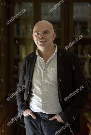 Editorial picture of Spain Literature - Oct 2016