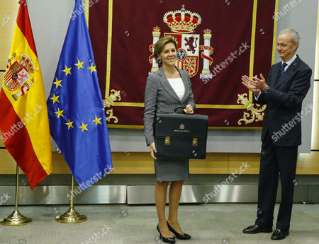 Newly Sworn in Spanish Defence Minister Maria Dolores De Cospedal (l) Smiles During an Official Handover Ceremony with Her Predecessor Pedro Morenes (r) at the Defence Ministry in Madrid Spain 04 November 2016 Spain Madrid