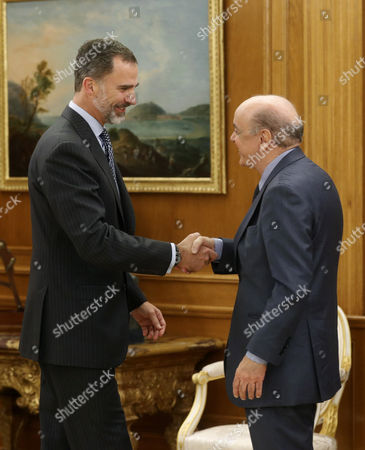 Spain's King Felipe Vi (l) Greets Brazilian Foreign Minister Jose Serra During an Audience Held at La Zarzuela Palace in Madrid Spain 22 November 2016 Spain Madrid