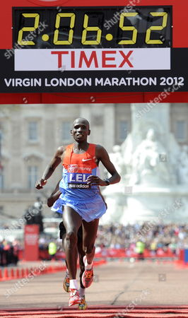 Stock Image of Kenya's Martin Lel Arrives in Second Place During the Men's Section of the London Marathon in London Britain on 22 April 2012 Organisers Say Just Over 37 500 Entrants Have Registered For the Race United Kingdom London