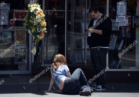 Pedestrians on Hollywood Boulevard Pause For a Picture at the Star of Us Writer Ray Bradbury on the Hollywood Walk of Fame in Hollywood California Usa 06 June 2012 Bradbury Died Last Night at the Age of 91 United States Hollywood
