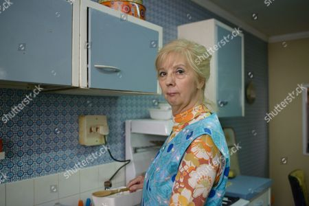Stock Picture of Episode 3 - Ruth Sheen as Renee Bentley.