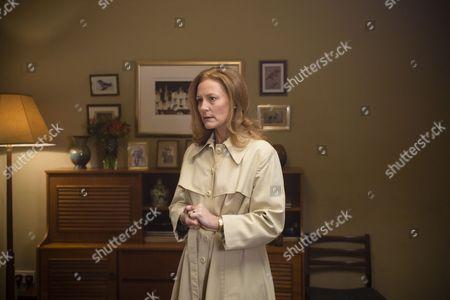 Stock Photo of Episode 4 - Geraldine Somerville as Joyce Tennison.