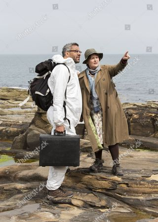 Stock Photo of Brenda Blethyn as DCI Vera Stanhope and Christopher Colquhoun as Dr Anthony Carmichael.