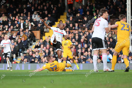 Fulham striker Sone Aluko (24) scoring the first goal of the game 1-0 during the EFL Sky Bet Championship match between Fulham and Preston North End at Craven Cottage, London