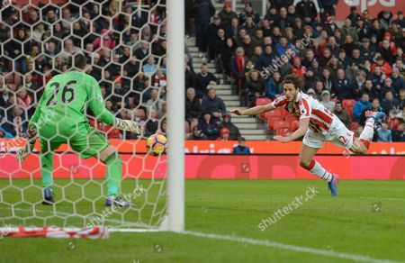 Ramadan Sobhi of Stoke City sees his header saved by Victor Valdes of Middlesbrough during the Premier League match between Stoke City and Middlesbrough played at the bet365 Stadium, Stoke-on-Trent on 4th March 2017