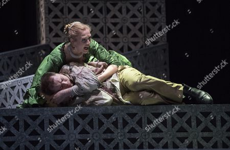 Laura Mitchell as Tosca, Alexander James Edwards as Cavaradossi