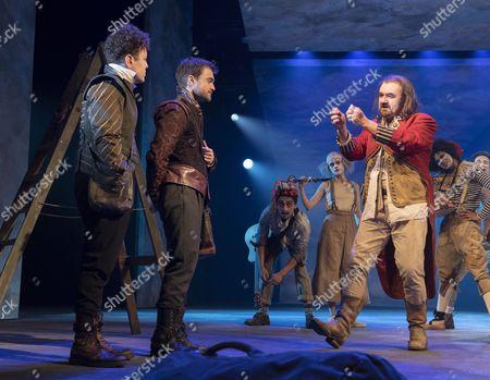 Joshua McGuire as Guildenstern, Daniel Radcliffe as Rosencrantz, David Haig as the Player
