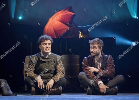 Joshua McGuire as Guildenstern, Daniel Radcliffe as Rosencrantz