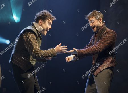 Joshua McGuire as Guildenstern, Daniel Radcliffe as Rosencrantz