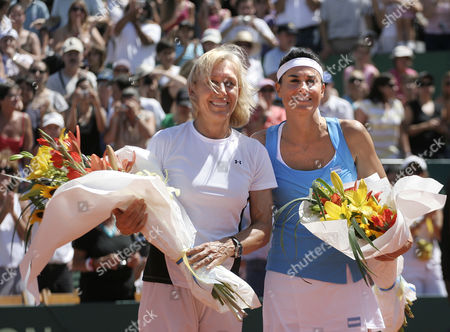 Exhibition Match For the Benefit of Faiam Charity Gabriela Sabatini V Martina Navratilova Buenos Aires Argentina Saturday 14 March 2009 Uk Sales Only Argentina
