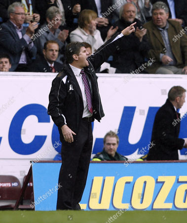 Burnley Manager Brian Laws Issues Instructions United Kingdom Burnley