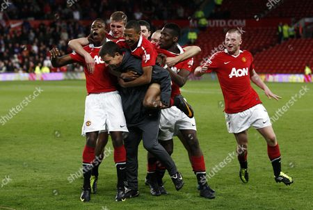 Manchester United Players Celebrate Winning the Fa Youth Cup Final with Manager Paul Mcguinness United Kingdom Manchester