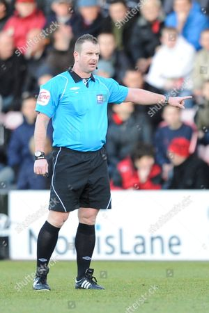 Referee Mr Kevin Wright