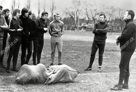 (r-l) Ajax Coach Rinus Michels Passes Instructions to His Team Heinz Stuy Horst Blankenburg Velibor Vasovic Sjaak Swart Dick Van Dijk Nico Rijnders Johann Cruyff and Wim Suurbier File Photo Dated 17/12/1970