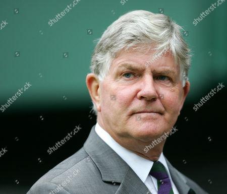 Retiring Wimbledon referee Alan Mills