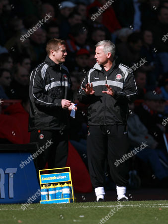 Charlton Athletic manager Alan Pardew talks with his assistant Steve Tilson