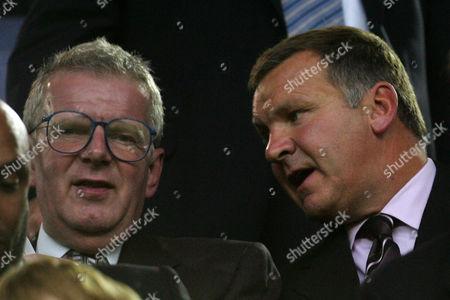 BBC TV presenters John Motson (l) and Ray Stubbs