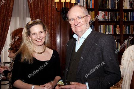 Dr. Amanda Foreman, Jim Broadbent