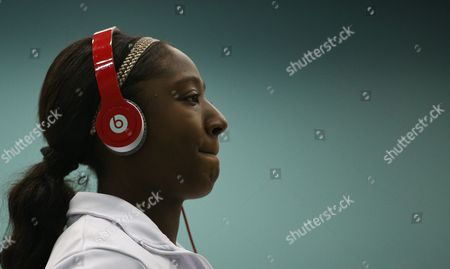 Kadeen Corbin Warms Up Wearing Beats by Dre Headphones Gb Worcester