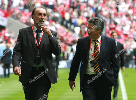 Former Tottenham Hotspur players Ricky Villa, left and Steve Perryman during the legends parade before kick off