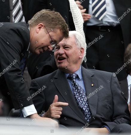 New Chairman Chris Mort talks to Sir Bobby Robson of Newcastle United