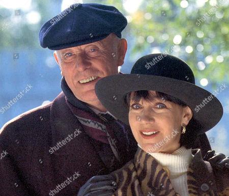 'Under The Hammer'   TV Richard Wilson and Jan Francis