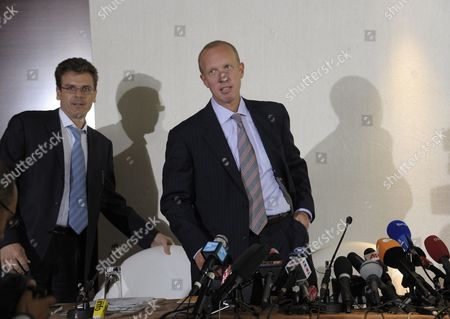 Douglas Wigdor (r) One of Nafissatou Diallo's Us Attorneys Arrives to a Press Conference in Paris France 23 August 2011 Man on Left is not Identified According to the Lawyer Diallo a 32-year-old Guinean Alleged Mr Strauss-kahn the 62-year-old Former Imf Chief Tried to Rape Her when She Arrived to Clean His Manhattan Hotel Suite on 14 May 2011 is Filing a Civil Action For Damages Against Strauss-kahn France Paris