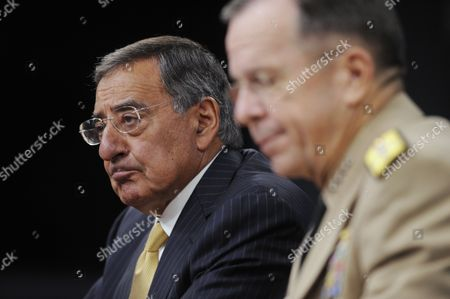 Us Defense Secretary Leon Panetta and Chairman of the Joint Chiefs of Staff Admiral Mike Mullen Hold a News Briefing at the Pentagon in Arlington Virginia Usa 20 September 2011 Secretary Panetta Discussed the Dadt (don't Ask Don't Tell) Policy the Us Military's Former Ban on Openly Gay Troops Which Officially Ends 20 September 2011 United States Arlington