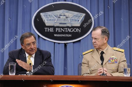 Us Defense Secretary Leon Panetta (l) and Chairman of the Joint Chiefs of Staff Admiral Mike Mullen (r) Hold a News Briefing at the Pentagon in Arlington Virginia Usa 20 September 2011 Secretary Panetta Discussed the Dadt (don't Ask Don't Tell) Policy the Us Military's Former Ban on Openly Gay Troops Which Officially Ends 20 September 2011 United States Arlington