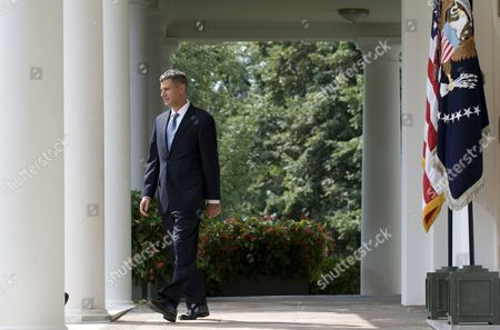 Us President Barack Obama's Nominee to Head the Council of Economic Advisers Alan Krueger Walks From the Oval Office Prior to an Event in the Rose Garden at the White House in Washington Dc Usa 29 August 2011 Krueger if Confirmed by the Senate Will Replace Austan Goolsbee who Left the Administration Earlier This Month United States Washington