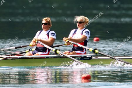 Czech Republic's Lenka Antosova and Jitka Antosova Are on Their Way to Place Third in the Women's Double Sculls Semi Final at the Rowing World Championships on Lake Bled in Slovenia 02 September 2011 Slovenia Bled