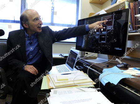 Astrophysics Professor Saul Perlmutter in His Office at the University of California at Berkeley California Usa 04 October 2011 After He was Awarded the Nobel Prize in Physics the Nobel Prize in Physics was Awarded with One-half to Saul Perlmutter and the Other Half Jointly to Brian P Schmidt and Adam G Riess 'For the Discovery of the Accelerating Expansion of the Universe Through Observations of Distant Supernovae ' United States Berkeley