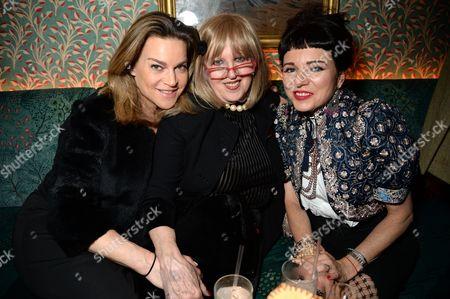 Tara Newley with guests