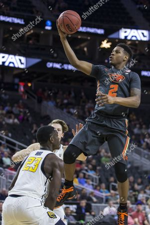 Las Vegas, NV, U.S.A. Oregon State guard Ronnie Stacy (2) drives to the basket during the NCAA Pac 12 Men's Basketball Tournament between California Golden Bears and Oregon State Beavers 62-67 lost at T Mobile Arena Las Vegas, NV. Thurman James / CSM