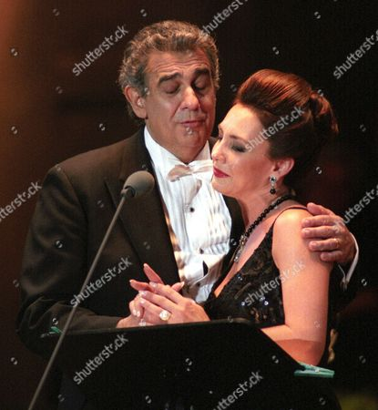 Hungarian Singer Andrea Rost (r) and Spanish Tenor Placido Domingo Perform During the Super Concert at the People's Stadium in Budapest Hungary 30 July 1996 Hungary Budapest