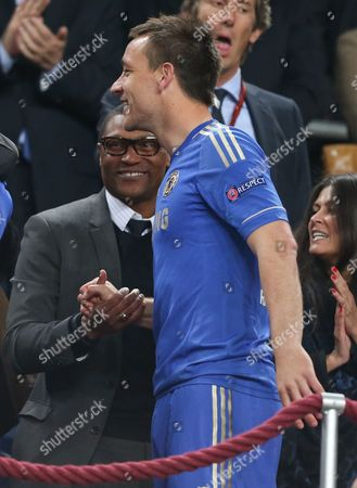 Chelsea Technical Director Michael Emenalo Congratulates John Terry Netherlands Amsterdam
