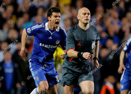 Michael Ballack of Chelsea Screams at Referee Tom Henning Ovrebo Claiming For A Handball by Samuel Eto'o of Barcelona in Injury Time United Kingdom London