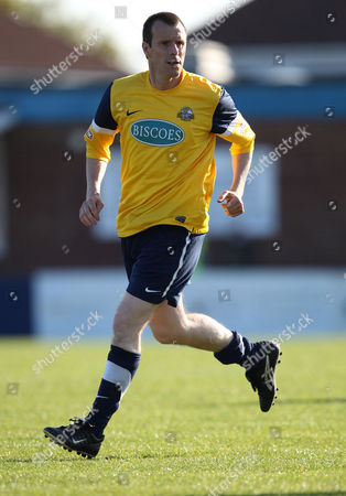 Steve Claridge of Gosport Borough Fc