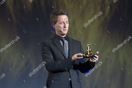 Us Actor Edward Norton Stands On Stage Looking at His 'Excellence Award' He Received For His Films at the 68th Locarno International Film Festival in Locarno Switzerland 05 August 2015 the Festival Runs From 05 to 15 August Norton Presented Before the Official Opening His Film 'Fight Club' Directed by David Fincher to the Public