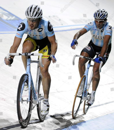 A Photo Made Available On 16 December 2009 Showing Argentina's Walter Perez (r) and Sebastian Donadio (l) Compete in the Six Day Race at the Hallenstadion in Zurich Switzerland 15 December 2009