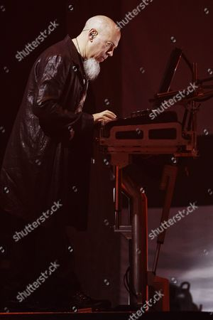 Keyboardist Jordan Rudess - Dream Theater