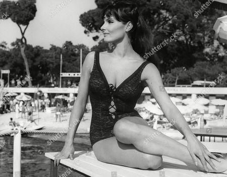 Suzanne Lloyd (as Claudette)