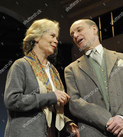 Stock Photo of 'Plague Over England' - Celia Imrie ( Sybil Thorndike ) Michael Feast ( John Gielgud )