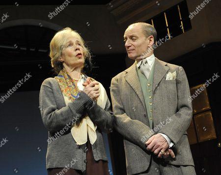 Stock Picture of 'Plague Over England' - Celia Imrie ( Sybil Thorndike ) Michael Feast ( John Gielgud )