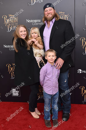 Nick Mangold with family