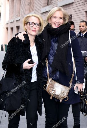 Stock Photo of Gillian Anderson and Jennifer Nadel