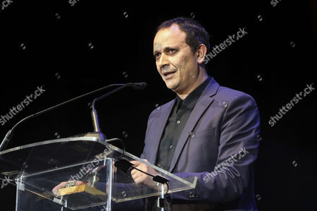 Actor Luis Callejo speaks after receiving Cinema Best Main Actor for his work in the film 'Tarde para la ira' (Late for Fury) during the Actors Union Awards gala held at the Price Circus theatre in Madrid, Spain, 13 March 2017.