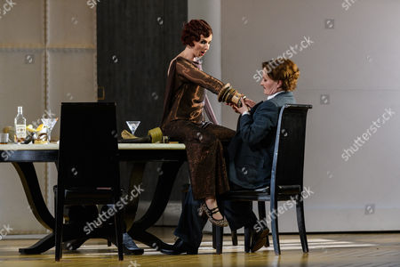 Sarah Tynan (Partenope), Patricia Bardon (Arsace)
